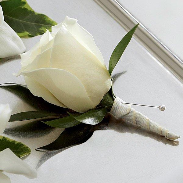 Boutonniere  Rosa Blanca